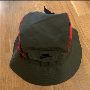 Nike Lab NSW Bucket Hat Khaki Plaid L/XL NWT
